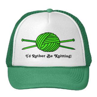 Bola de la verde lima del hilado y de las agujas gorras