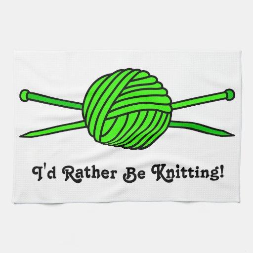 Bola de la verde lima del hilado y de las agujas q toallas