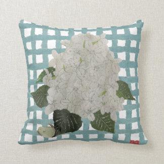 Bola de nieve del Hydrangea y almohada de la tela