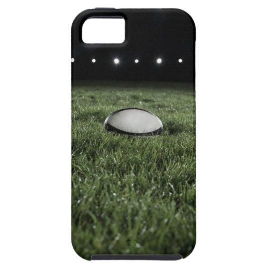 Bola de rugbi que se sienta en la echada de la funda para iPhone SE/5/5s
