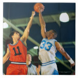 Bola de salto en juego de baloncesto azulejo cerámica