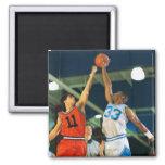 Bola de salto en juego de baloncesto imán cuadrado