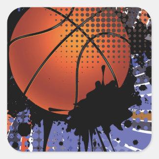 Bola del baloncesto en el fondo 2 de los rayos pegatina cuadrada