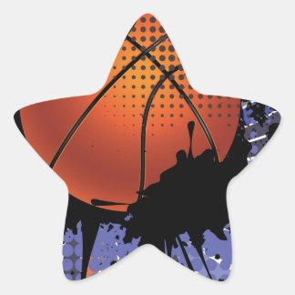 Bola del baloncesto en el fondo 2 de los rayos pegatina en forma de estrella