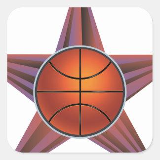 Bola del baloncesto en el fondo 3 de los rayos pegatina cuadrada