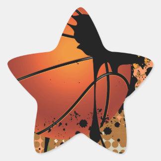 Bola del baloncesto en fondo de los rayos pegatina en forma de estrella