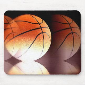 Bola del baloncesto tapete de ratón