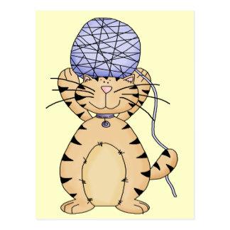 Bola del gatito y del hilado postal