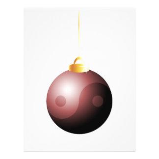 Bola del navidad de Yin Yang en rojo Tarjeton