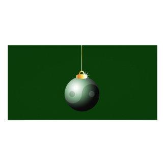 Bola del navidad de Yin Yang Tarjetas Fotográficas Personalizadas