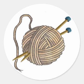 Bola del pegatina de las lanas que hace punto
