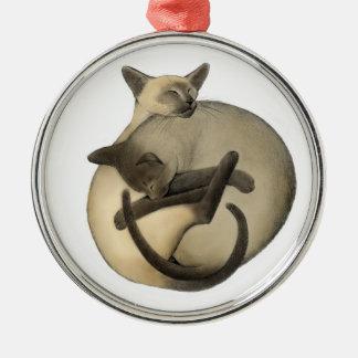 Bola el dormir del ornamento de los gatos siameses ornamento de reyes magos