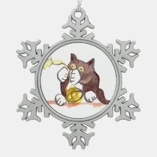 Bola fascinadora del hilado y del gatito adorno