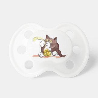 Bola fascinadora del hilado y del gatito chupetes para bebes