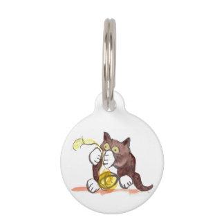 Bola fascinadora del hilado y del gatito placa para mascotas