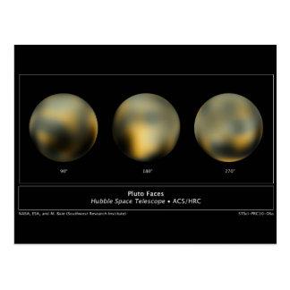 Bola gigante del planeta de Plutón en el cielo Postal