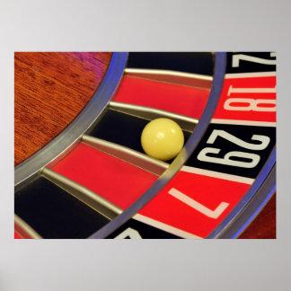 bola número 29 de la rueda de ruleta del casino qu póster