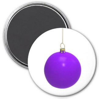 Bola púrpura de los christmass imán redondo 7 cm