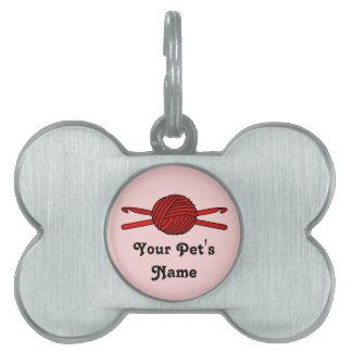 Bola roja de los ganchos del hilado y de ganchillo placas mascota