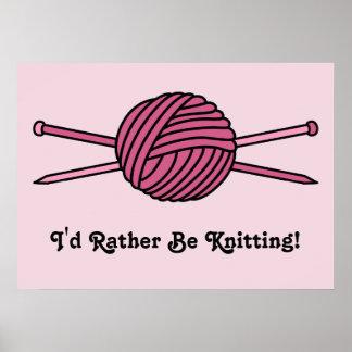 Bola rosada del hilado y de las agujas que hacen p póster