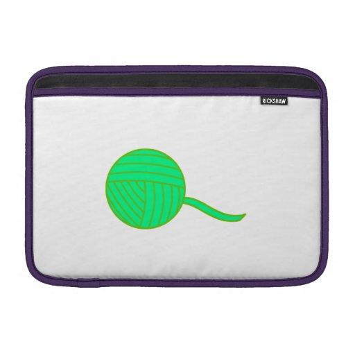 Bola verde del hilado funda para macbook air