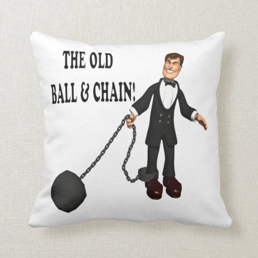 Bola y cadena almohadas
