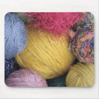 Bolas coloridas del hilado alfombrillas de ratón