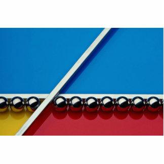 Bolas de acero y barras en el acrílico multicolor escultura fotografica