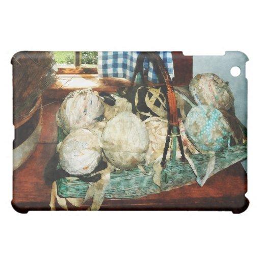 Bolas de las tiras del paño en cesta