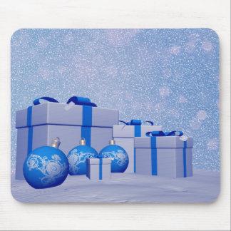 Bolas de los regalos y del navidad tapetes de raton