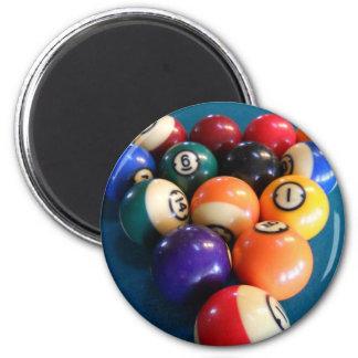 Bolas de piscina atormentadas en la tabla imán redondo 5 cm