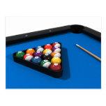 Bolas de piscina en la tabla de billares del fielt postales