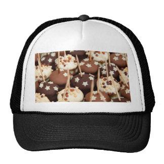 Bolas del chocolate y de la torta blanca gorra