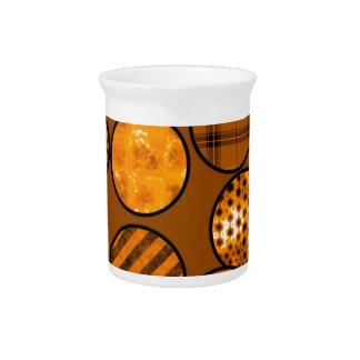 Bolas del remiendo, naranja jarra para bebida