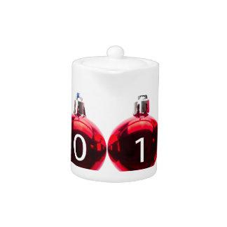 Bolas rojas del navidad por viejo y Año Nuevo