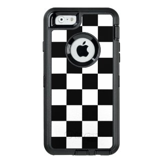 Bold Black and White Checkered Pattern