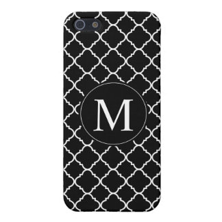 bold black and white quatrefoil case for iPhone SE/5/5s