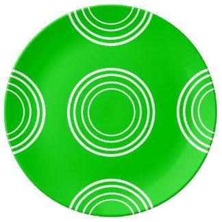Bold White Rings on Summer Green Porcelain Plate
