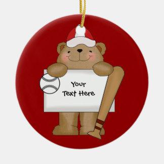 Boletín del oso del béisbol (personalizable) adorno navideño redondo de cerámica