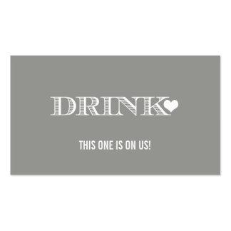 Boleto gris de la bebida del boda del corazón tarjetas de visita