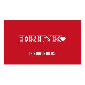 Boleto rojo de la bebida del boda del corazón tarjetas de visita