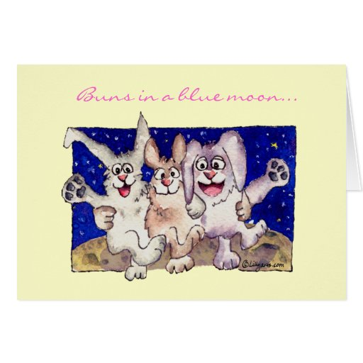 Bollos en una tarjeta de pascua feliz de la luna a