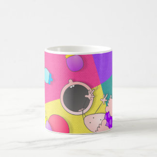 Bolos divertidos que ruedan del dibujo animado div taza de café