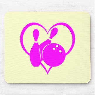 Bolos rosados del corazón tapete de ratón