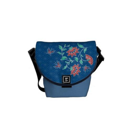 Bolsa de mensajero 2 del modelo floral del batik d bolsas de mensajería