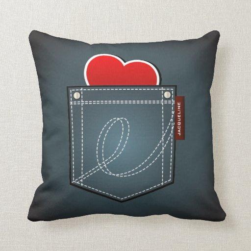 Bolsillo de los vaqueros y almohada del corazón