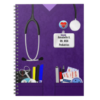 Bolsillos personalizados de la enfermera en púrpur libro de apuntes