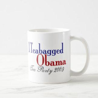 Bolsita de té Obama (fiesta del té 2009) Taza Básica Blanca