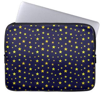 Bolso con las estrellas del amarillo en fondo de fundas computadoras