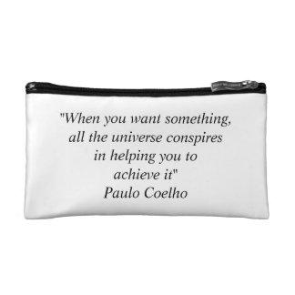 Bolso cosmético con la cita de Paulo Coelho